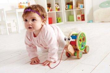 Kūdikio lavinimas: ugdantys ir raidą skatinantys žaidimai