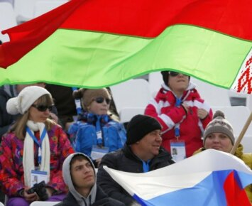 Baltarusiai per Rio parolimpiados atidarymą nori nešti Rusijos vėliavą