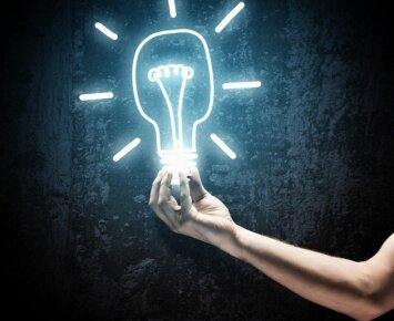 D. Trockis: jei nori, kad išsipildytų visi tavo norai, turi tapti... lempute