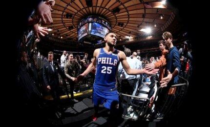 """NBA naktis: iš duobės lipantys """"Spurs"""" ir legendinį Magicą aplenkęs """"76ers"""" naujokas"""