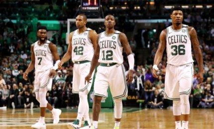 """Komandinio žaidimo pavyzdžiu tapę """"Celtics"""" sensacingai lengvai sutriuškino """"Cavaliers"""""""