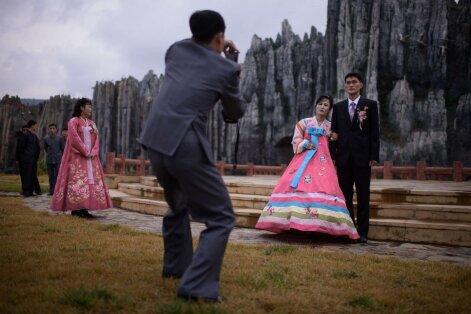 Pažaboti begėdiškus jausmus: pritrenkiančios Š. Korėjos meilės scenų taisyklės