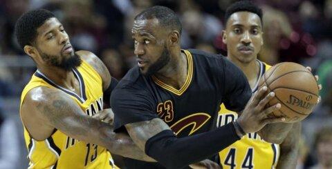 NBA naktis: puikūs L. Jameso ir K. Thompsono pasirodymai atnešė pergales lygos favoritams
