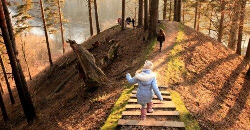 Prie pat Vilniaus atnaujintas pažintinis takas sulaukė tautiečių antplūdžio: tai viena įdomiausių vietų Lietuvoje