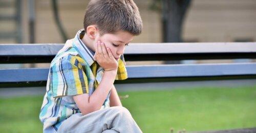 Požymiai, išduodantys vaiko raidos sutrikimus: tokio elgesio tėvai neturėtų ignoruoti