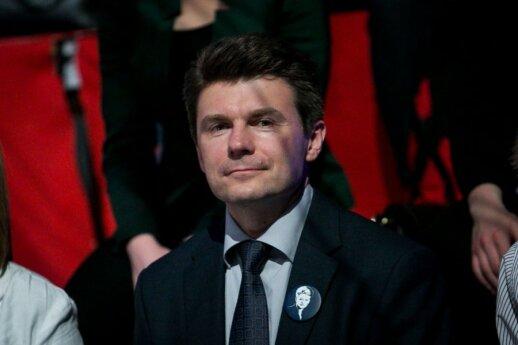 """R. Švedas: pasitraukus """"Lukoil"""" Lietuvos gyventojai laimės dvigubai"""