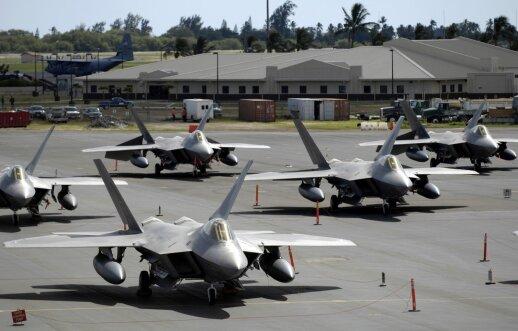 F-22 Japonijoje