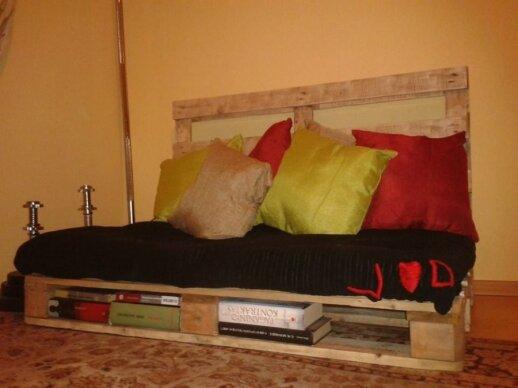 Darau pats: sofa iš palečių