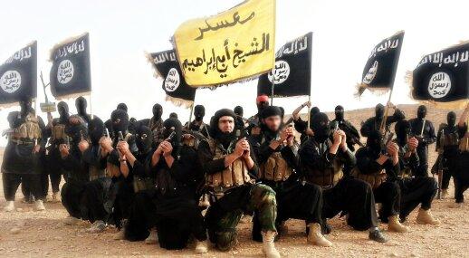 """""""Islamo valstybės"""" (ISIS) kovotojai."""