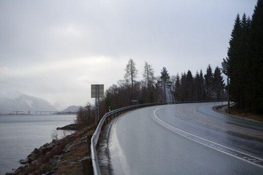 """<span style=""""color: #ff0000;"""">Būti emigrantu.</span> Atšiauriuose Norvegijos kalnuose dirbantis lietuvis: niekada nesigailėsiu išvažiavęs"""