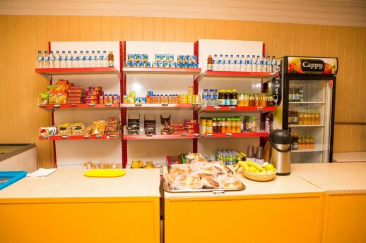 Vilniaus mokyklų valgyklose – šiurkštūs pažeidimai: šie produktai turėtų būti išimti iš prekybos