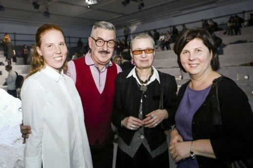 Laisvė Radzevičienė su dukra, Vytenis Pauliukaitis ir draugė