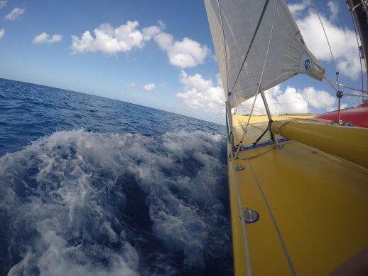 """Jachtos """"Ambersail"""" įgula regatoje aplink Barbadosą"""