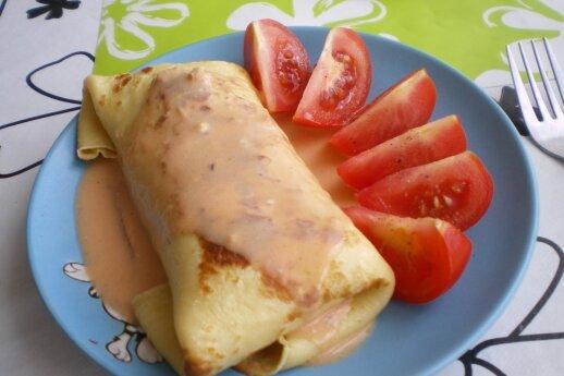 Lietiniai su pievagrybiais, morkomis ir sūriu