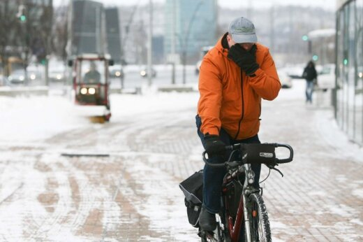 Žiemą važiuojant dviračiu svarbiausia tinkama apranga