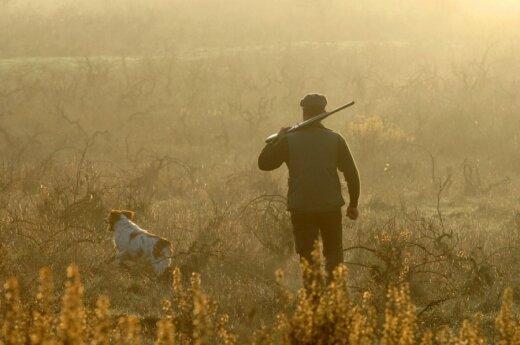 Jeigu bus nustatyta, kad vilkai sumedžioti neprasidėjus sezonui, grės tūkstantinės baudos