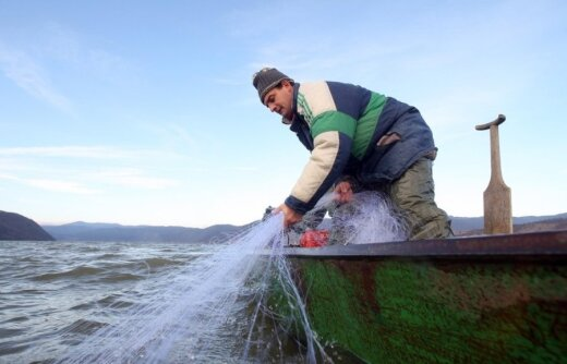 Verslinė žvejyba ežeruose nuo 2015-ųjų bus uždrausta
