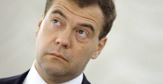 Dmitrijus MEDVEDEVAS, Rusijos prezidentas, ragina Rusijos piliečiams suteikti bevizį režimą su ES
