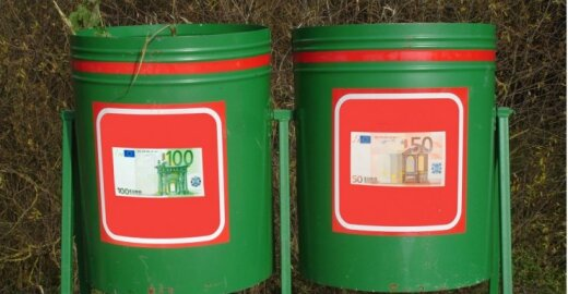 830 eurų – į šiukšlių kibirą