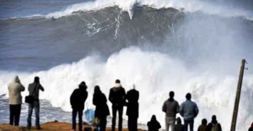 Milžiniška banga Portugalijoje