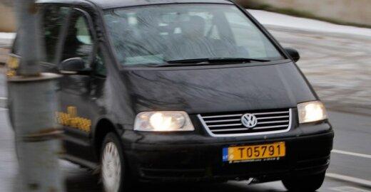 """ES siūlo įrengti """"juodąsias dėžes"""" komercinėse transporto priemonėse"""