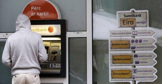 Bankomatai Europoje plėšiami naudojantis USB jungtimi