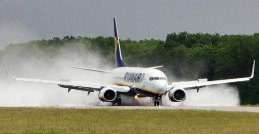 """""""Air France"""" skundžia """"Ryanair"""" Europos Komisijai"""