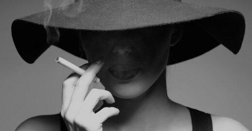EP narė: cigarečių pakelis neturi priminti parfumerijos gaminio ar lūpdažio
