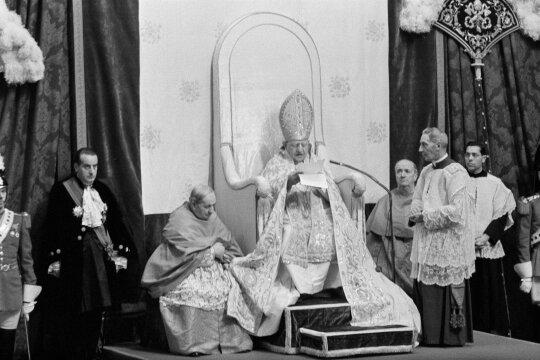 Išėjimas iš katakombų: baimės tiek komunistams, tiek Lietuvos dvasininkams įvaręs susirinkimas
