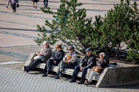 Artėja metas apsispręsti, kaip toliau kaupsite savo pensijai: ką būtina žinoti?