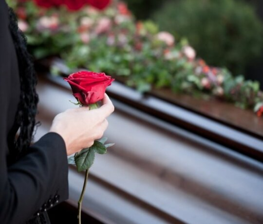 Argi ne ironiška: puoselėjame kapinių kultą, bet mirties tema - tabu