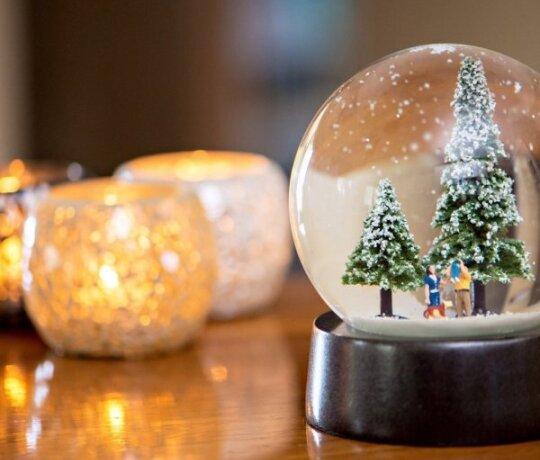 Kalėdinė nuotaika visai šeimai: TOP 10 filmų žiemos vakarams