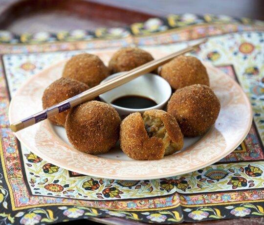 """Nauji bulvių patiekalai - iš """"Moters"""" receptų knygos"""