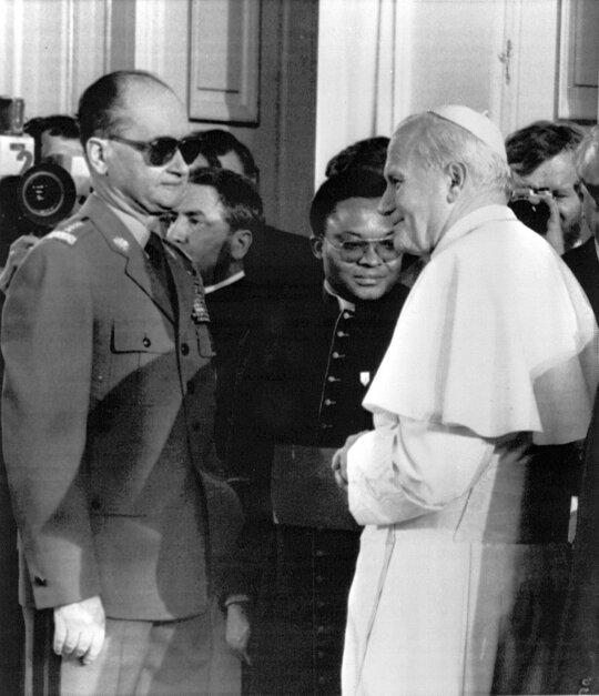 Sovietų Sąjungos grimasos: išsigando Jono Pauliaus II – kliuvo dvasininkams