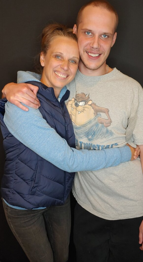 Eleonora Jonušienė–Romuva su sūnumi