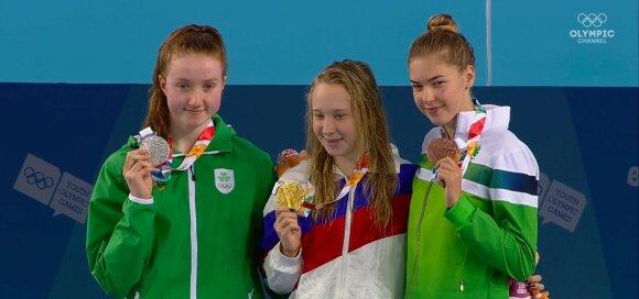 (iš kairės) Niamh Coyne, Anastasija Makarova, Kotryna Teterevkova