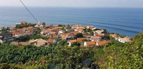 """""""Lietuviškas"""" Madalena do Mar kaimelis prigludęs prie pietinės Madeiros pakrantės"""