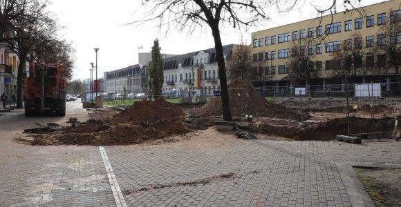 Laisvės aikštėje pradėti įrenginėti naujojo fontano pagrindai