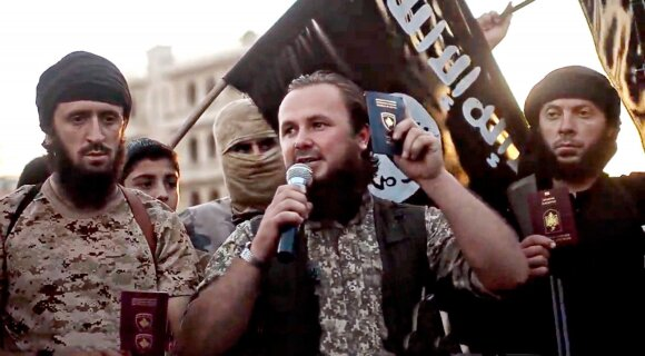 Islamo valstybė iškart konfiskuoja pasus