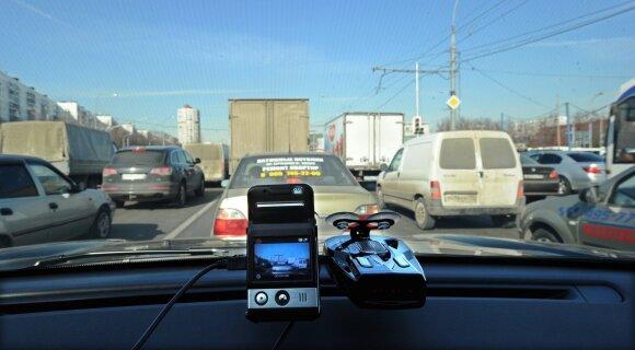 Perspėjo turinčius vaizdo registratorius: padarytas įrašas gali užtraukti bėdą