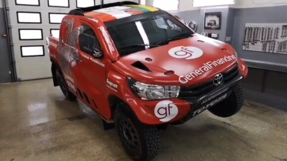 Benediktas Vanagas atnaujino savo Dakaro bolidą