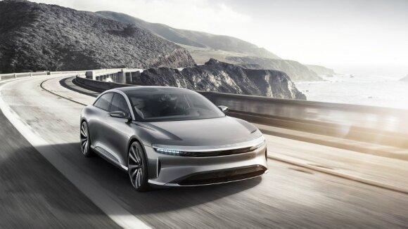 Sukūrė elektromobilį, kuris pranoko net paties gamintojo lūkesčius: viena įkrova gali nuvažiuoti 832 km