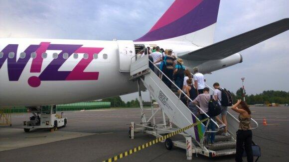 """Oro bendrovės pavargo laukti geresnių laikų: """"Wizz Air"""" ir """"EasyJet"""" jau siūlo galimybę išsitirti dėl koronaviruso"""