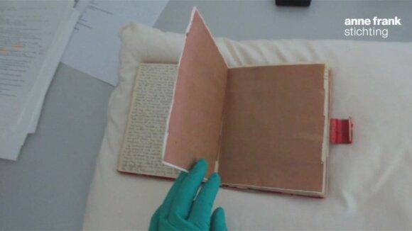 Iššifravo slaptus Anne Frank dienoraščių puslapius