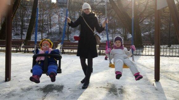 Projekto iniciatorė Raimonda su vaikais