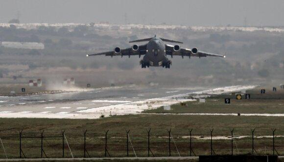 JAV pajėgos Indžirliko oro pajėgų bazėje