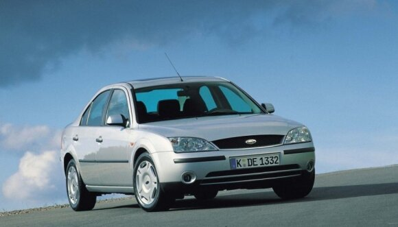 """2001 m. """"Ford Mondeo"""""""