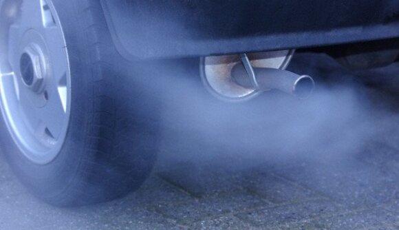 Patys miestai turės spręsti, kaip mažinti automobilių sukeliamą oro taršą