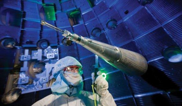 Lietuvė griežtai saugomoje JAV laboratorijoje narplioja branduolinių ginklų paslaptis