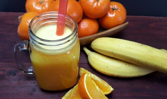 Mandarinų ir bananų glotnutis